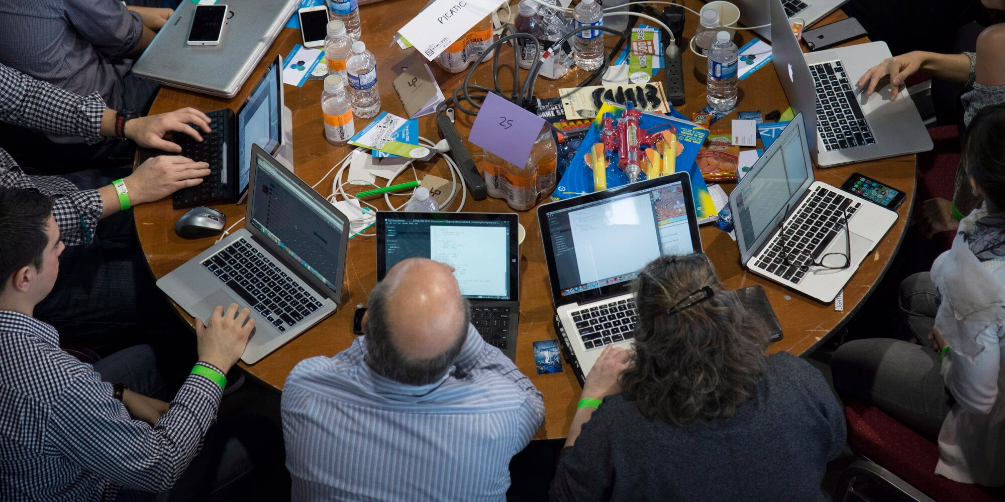 Participants take part in HTML500, a course which teaches computer coding skills, in Vancouver, B.C. Saturday, Jan. 24, 2015 HE CANADIAN PRESS/Jonathan Hayward