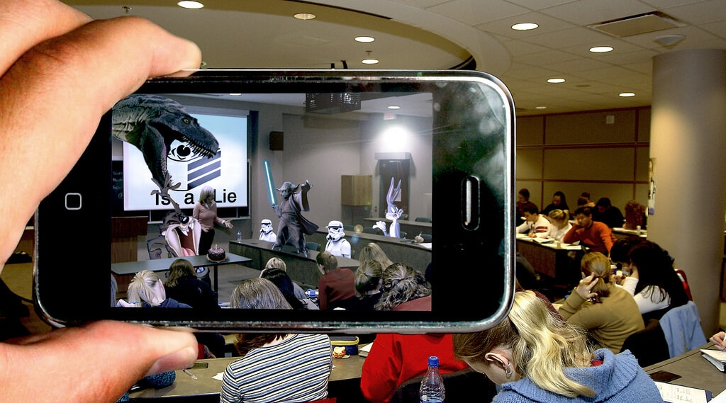 Nikolas Badminton Talks on the Implications of Augmented Reality (AR)