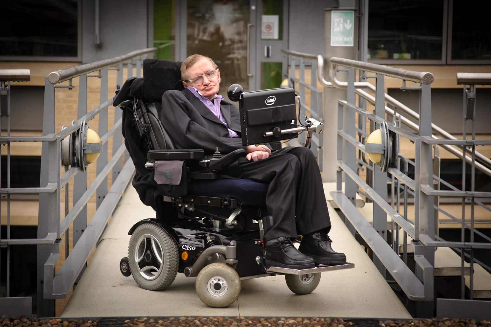 Stephen Hawking - Artificial Intelligence Will be The Best or Worst Thing to Happen to Humanity