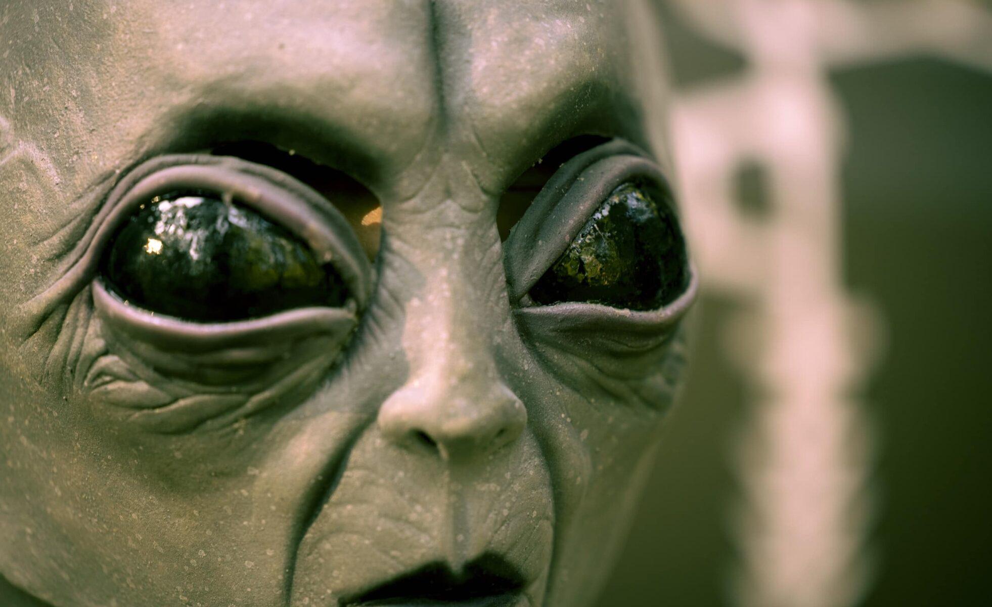 Alien Existence – Futurist